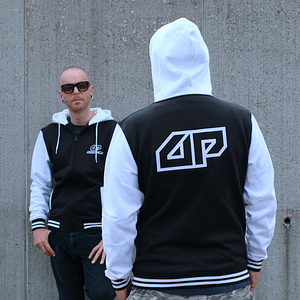 Deepack – Hoodie zipper Black / White with Deepack logo embroidered on the front and back
